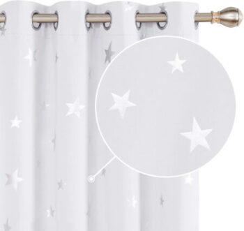 cortinas blancas con estrellas